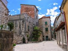 Old square in Stari Grad